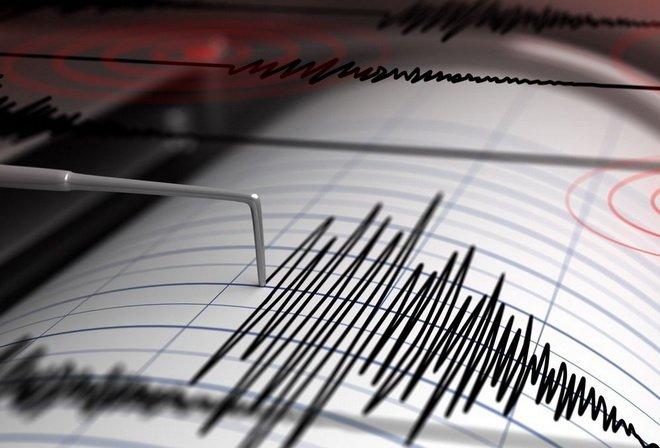 Землетрус, який зачепив Україну, потрапив на відео: кадри з місця подій
