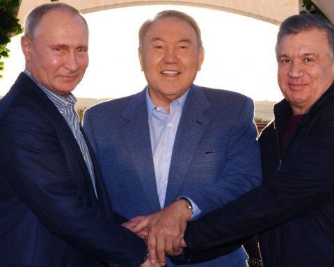 Поставили на табуреточку: в мережі посміялися з нового фото Путіна