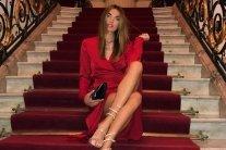 Голая и на каблуках: знаменитая украинская модель показала знойное видео
