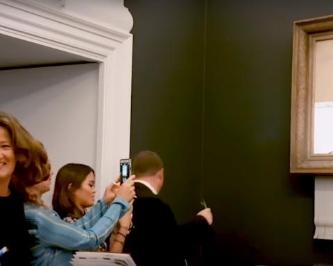 Бэнкси рассказал об уничтоженной на аукционе картине и показал эксклюзивное видео