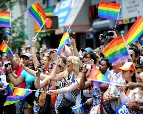 По Нью-Йорку прошел крупнейший ЛГБТ-парад в истории