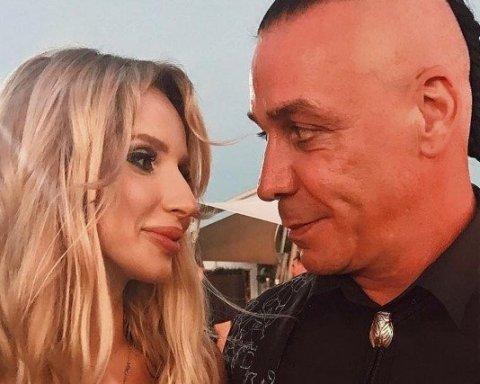 Доглядати за хворою Лободою? У Москву раптово приїхав лідер Rammstein