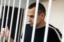 Знаменитый французский режиссер отказался от визита в Россию из-за Сенцова