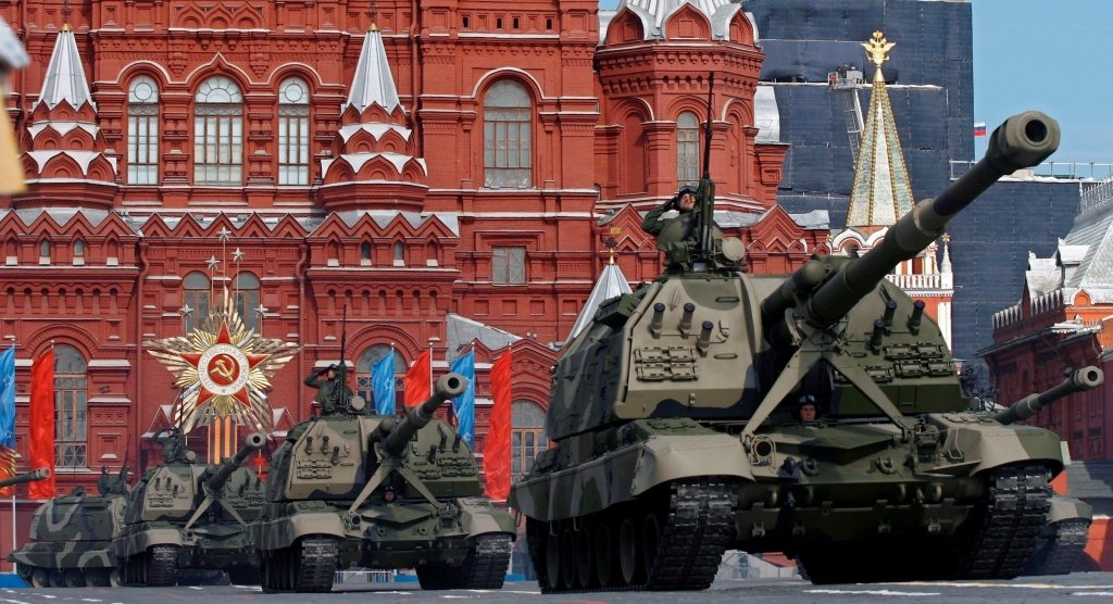 Россия стягивает к границам Украины военных: что происходит