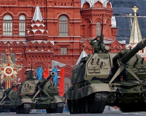 Парад 9 травня у Москві буде: Кремль прийняв рішення