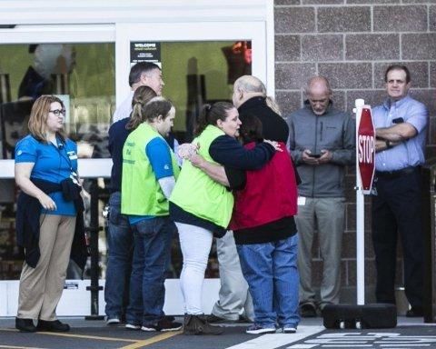 В известном супермаркете открыли стрельбу: есть погибшие