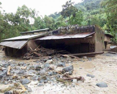 Смертельна стихія вдарила по країні: загинули десятки