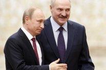 Карлик и великан: в сети высмеяли новое фото Путина
