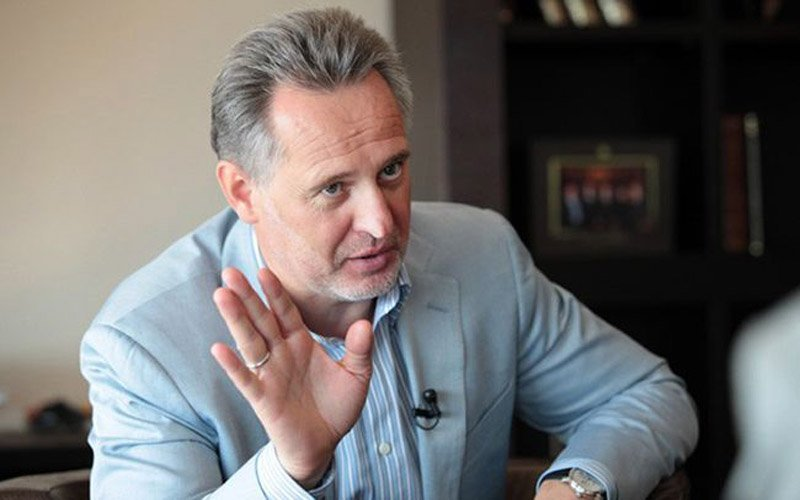 Український олігарх заробляє в Криму і платить податки Росії: розкрито схему