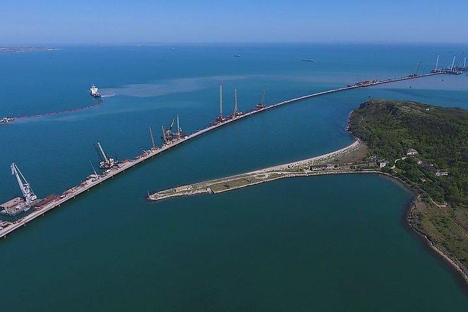 Крымский мост треснул: как с этим связан теракт в Керчи