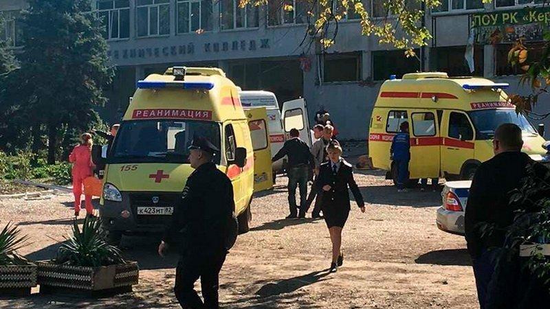 Теракт в Керчи: появилось видео момента стрельбы изнутри крымского колледжа