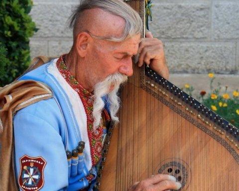 В Крыму открыто поют украинские песни: видео со смелым человеком
