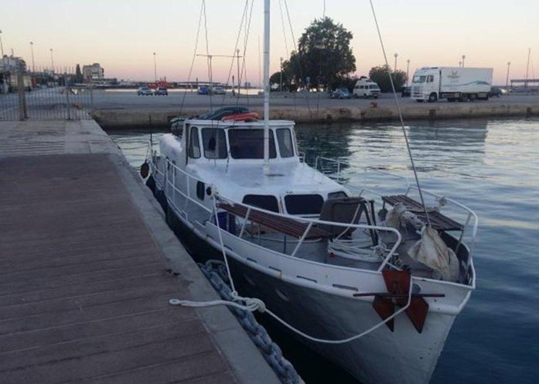 В Средиземном море задержан украинский корабль с десятками пассажиров: подробности