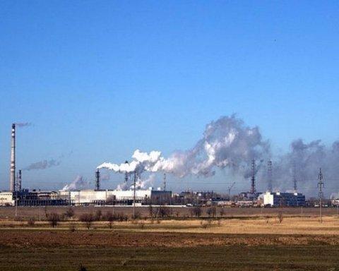 Крымчане снова будут страдать: на полуострове заработал ядовитый завод