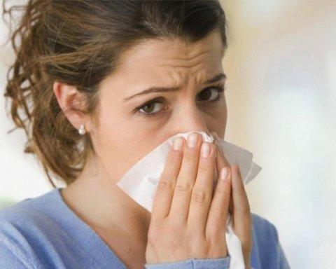 Незамінні поради: Супрун розповіла, як правильно чхати