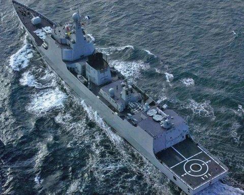 Небезпечний інцидент: в Південно-Китайському морі есмінці Китаю налякали американських військових
