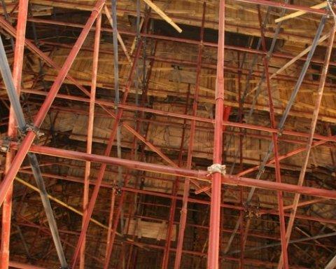 Чергова НП в Росії: в Москві обвалилися будівельні риштування, багато постраждалих