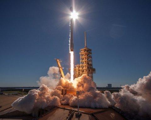 Ілон Маск не здається: SpaceX здійснила черговий переворот з Falcon 9