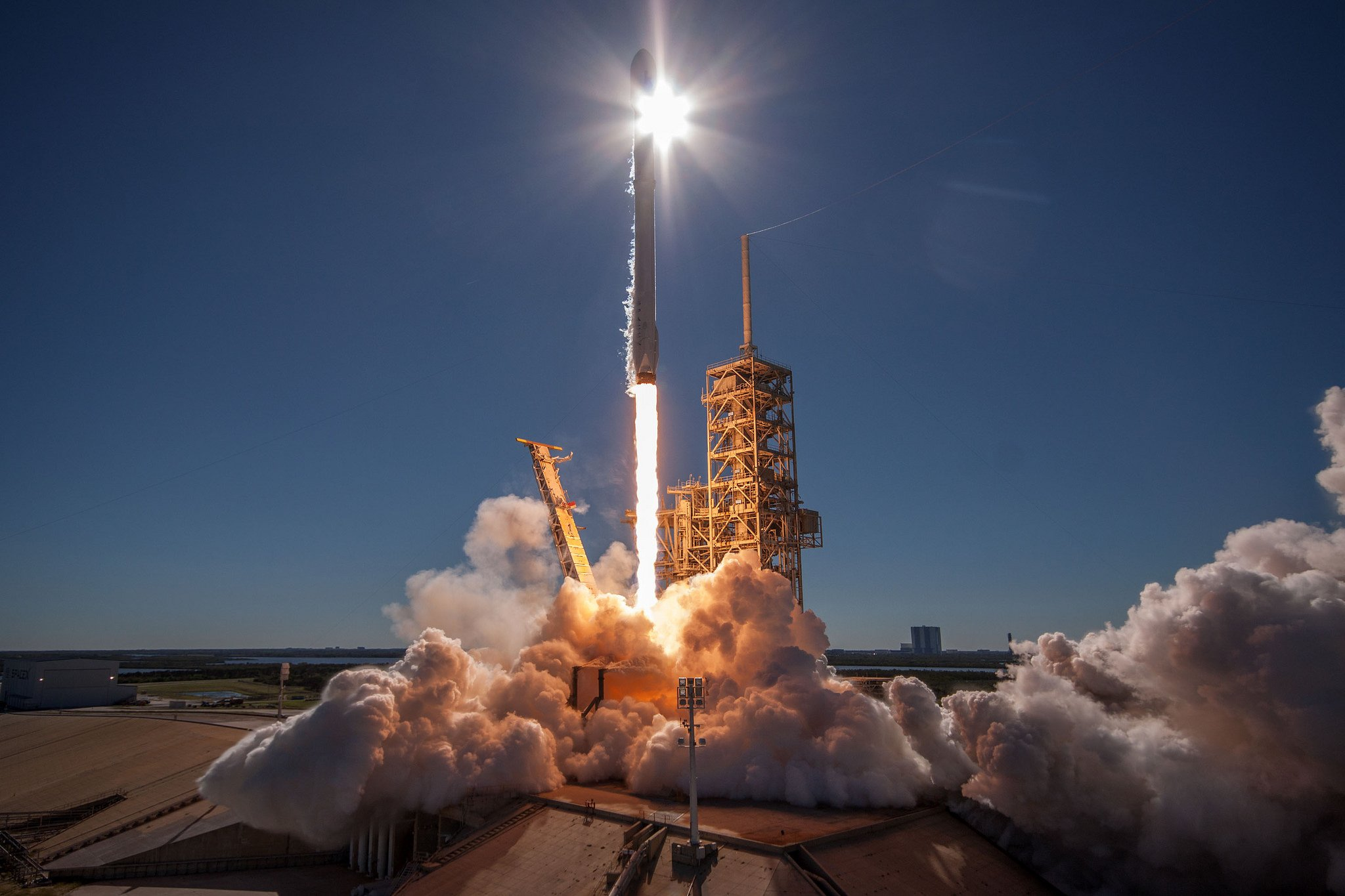 spacex launches rocket - HD2048×1365