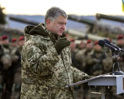 Когда начнет действовать военное положение: в Украине сделали важное уточнение