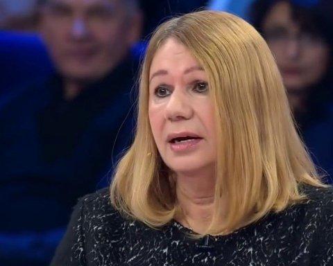 Елена Бережная неудачно попыталась оправдать переписку с Кремлем