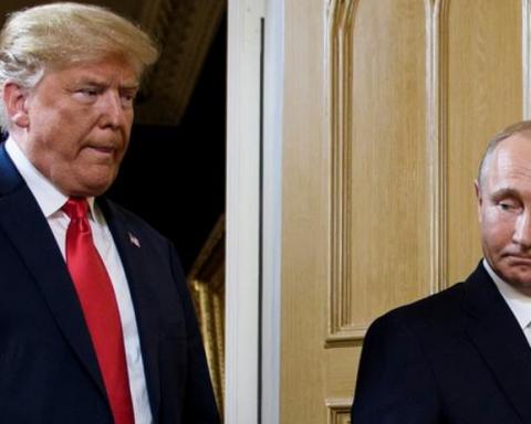 Фотограф  расстрелян: на фото Путина с Трампом увидели интересную деталь