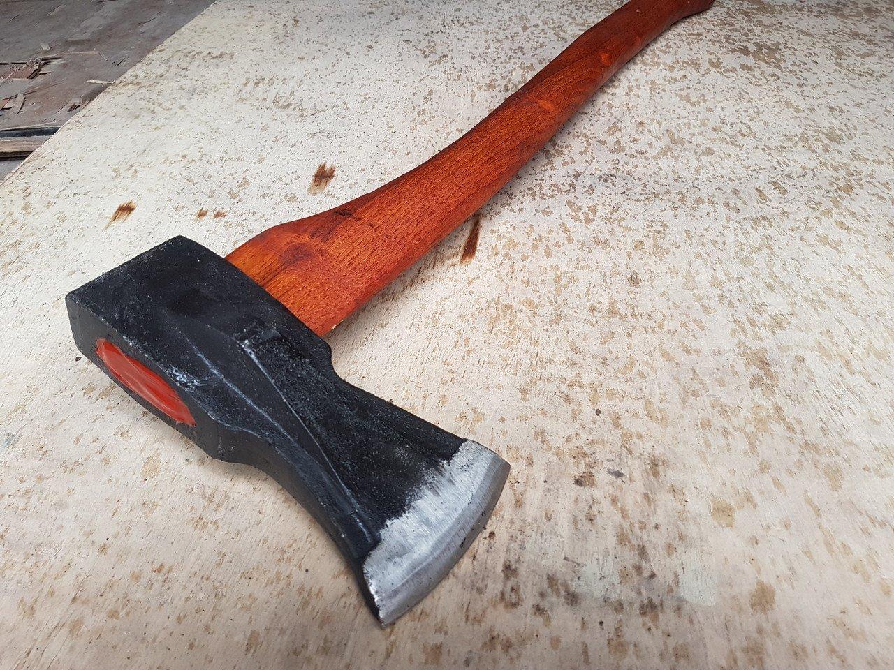 Керченська трагедія могла повторится: підліток прийшов у школу з сокирою та ножем
