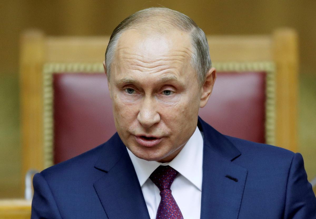 Обнімашки Путіна викликали сарказм у мережі: з'явилося відео