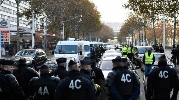 Во Франции разгорелись массовые протесты, есть жертвы: что происходит