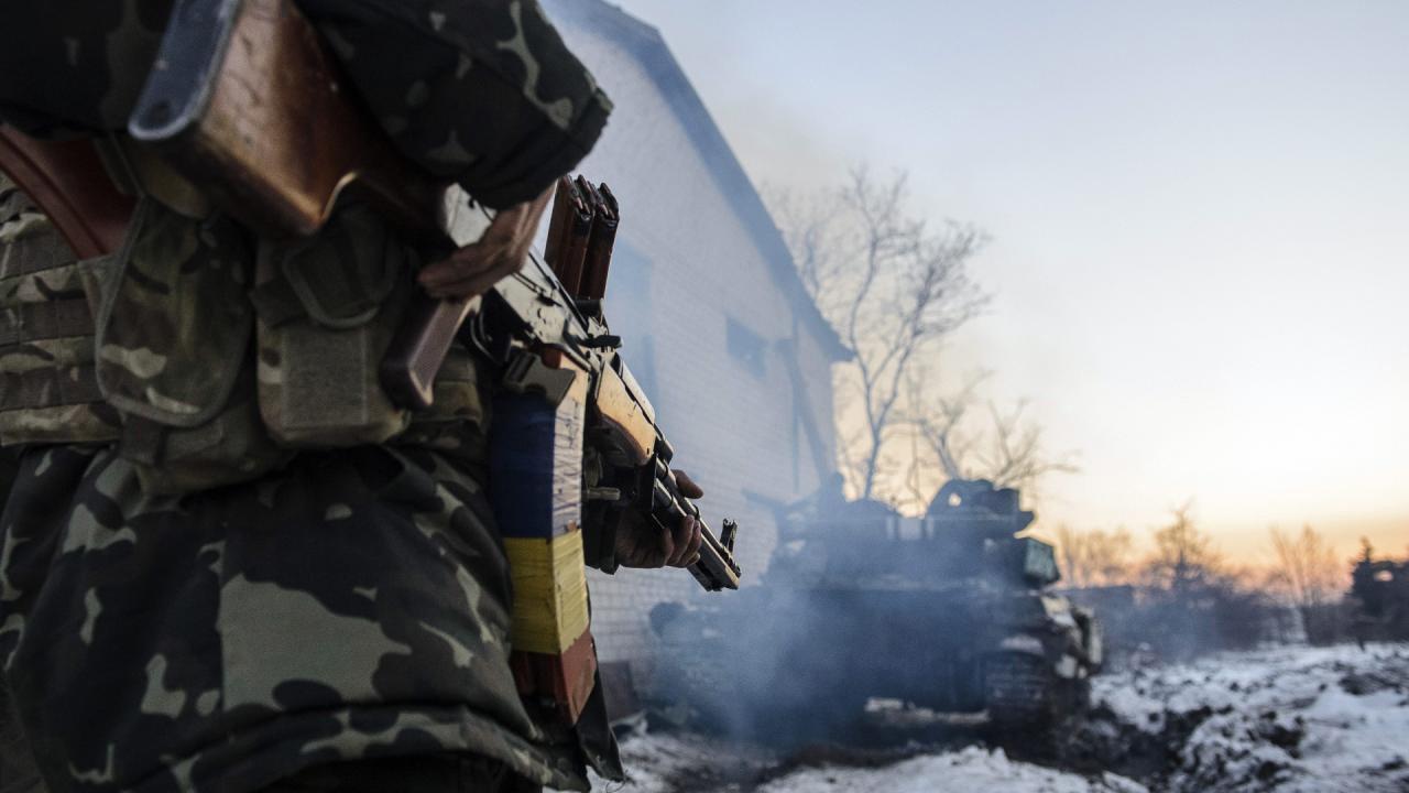 """Дали по зубах: з'явилося відео бою з """"ДНРівцями"""" на Донбасі"""