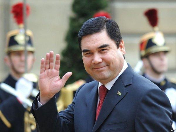Президент Туркменістану похизувався навичками штангіста: мережа в істериці від відео