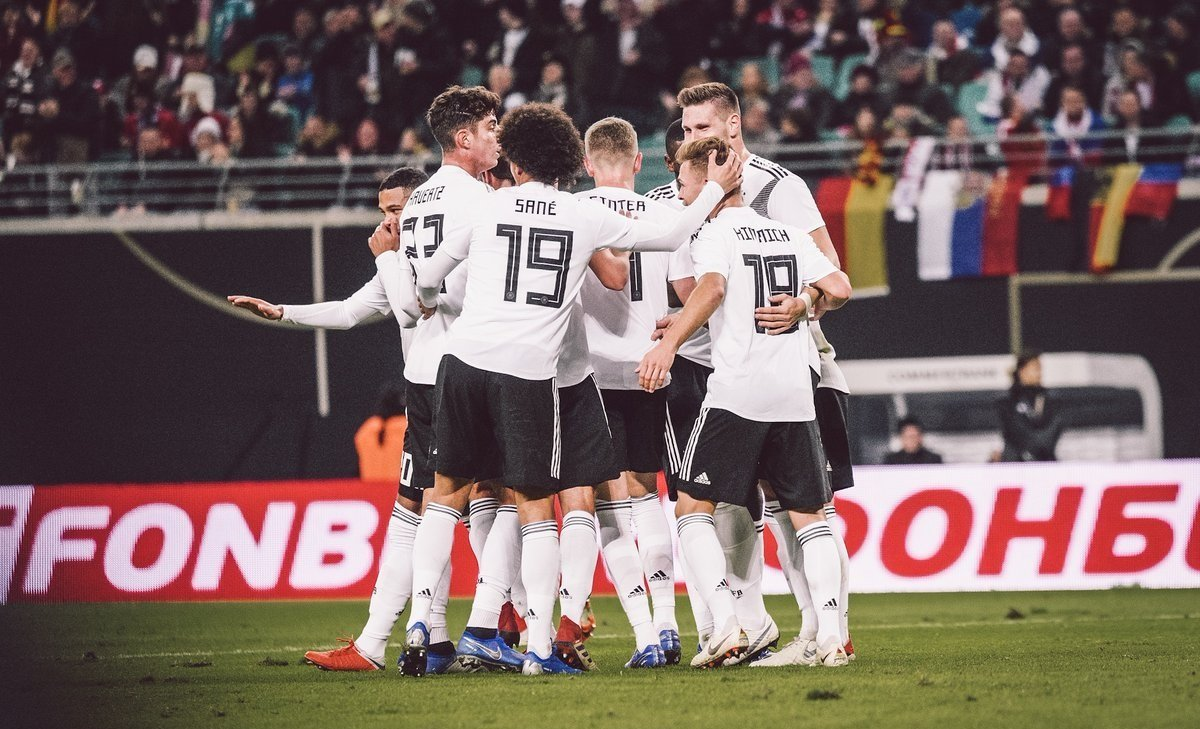 Збірна Німеччини розгромила Росію: відео голів
