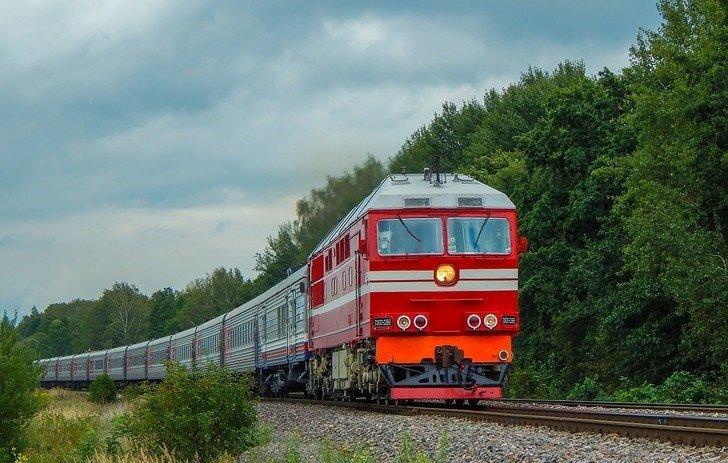 В России столкнулись автобус и поезд: есть жертвы