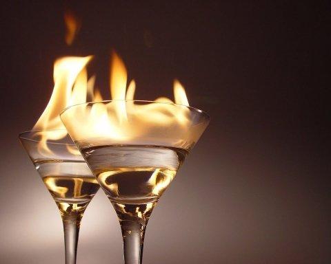 Чи захищає алкоголь від коронавірусу: лікар дав чітку відповідь