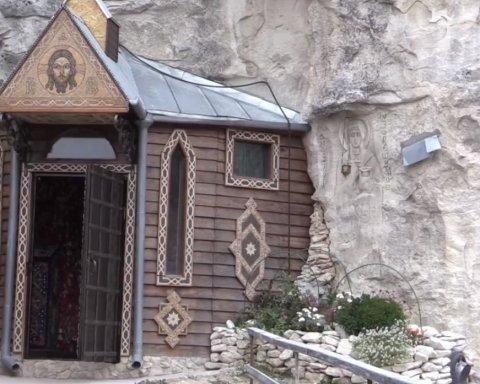 В окупованому Криму руйнують монастир: хто за цим стоїть