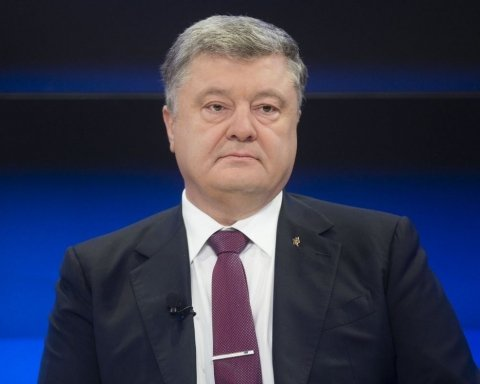 Томос для України: Порошенко відправиться на важливу зустріч