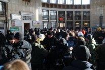 У Києві зірвано марш за права трансгендерів: усе потрапило на фото і відео