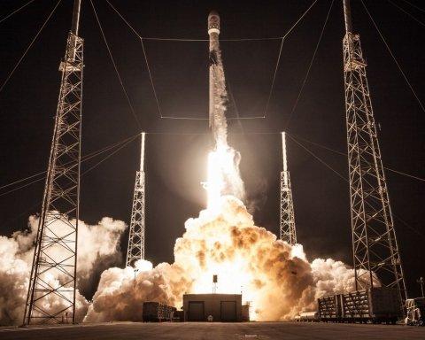 SpaceX идет на рекорд, первая ступень Falcon 9 дважды побывала в космосе: кадры, захватывающие дух