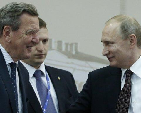 """Знаменитий європейський друг Путіна потрапив до бази """"Миротворця"""": що він накоїв"""