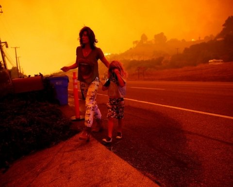 Десятки людей погибли, сотни пропали: опубликована страшная карта пожаров в Калифорнии