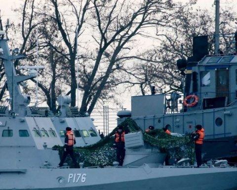 Піднімай свій прапор: українські моряки із захоплених катерів стали героями дивовижної картини