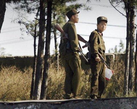 Товариші стріляли у спину: з'явилось відео втечі солдата КНДР до Південної Кореї