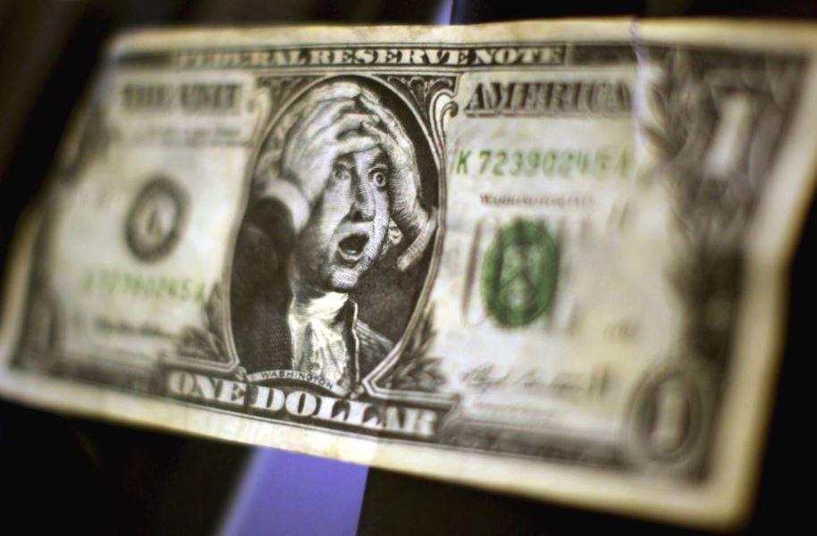 В Україні радикально виріс курс долара та евро: що сталося з гривнею