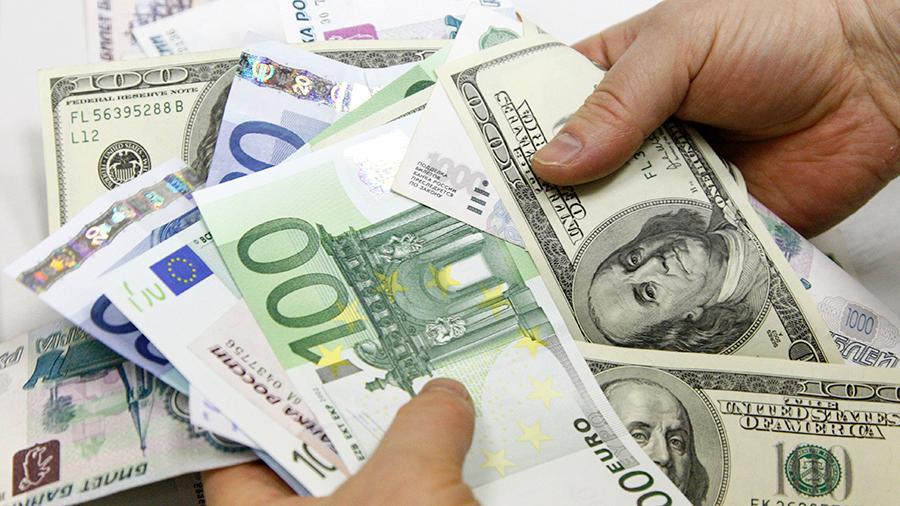 Гривня різко впала в ціні: що відбувається на ринку валют