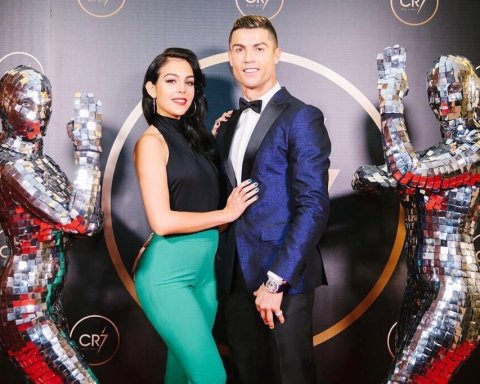 Роналду женится на матери своего ребенка: яркие фото счастливой пары