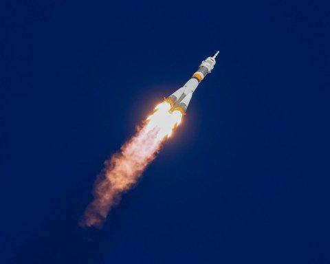 Авария на «Союзе»: космонавты в опасности, в России экстренно разбирают ракеты