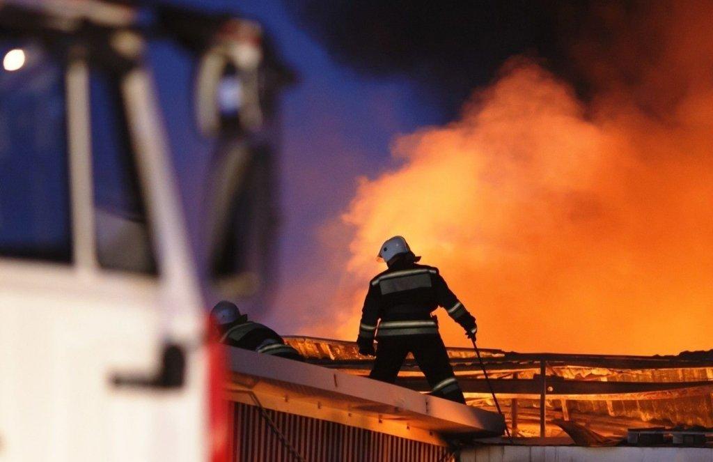 Из-за удара молнии под Киевом загорелась церковь УПЦ МП