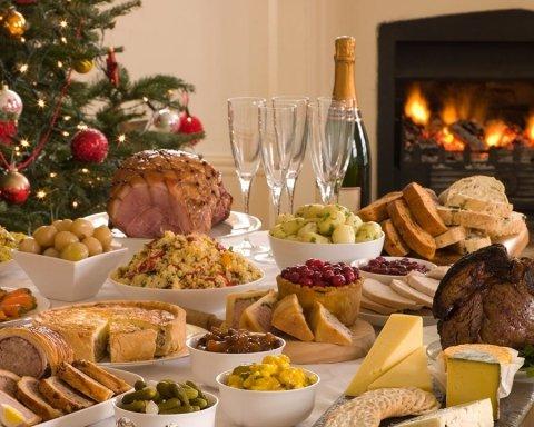 Почти на четверть больше: сколько денег украинцы потратят на новогодний стол