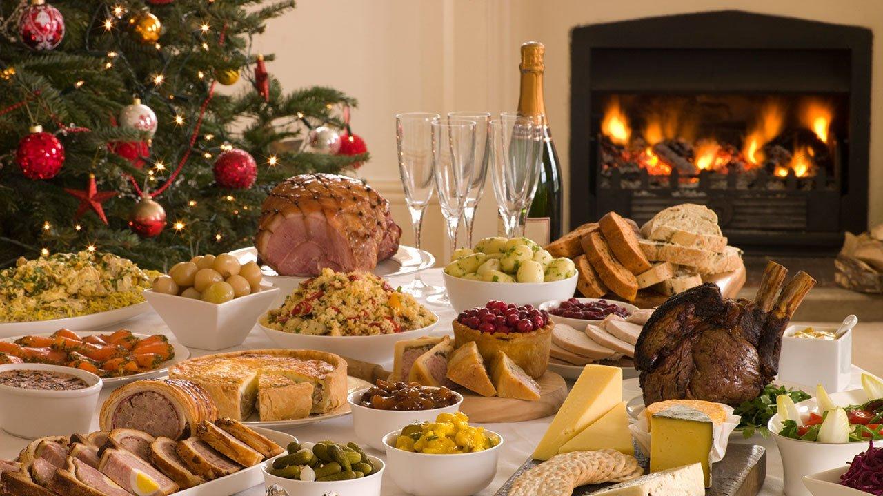 Майже на чверть більше: скільки грошей українці витратять на новорічний стіл