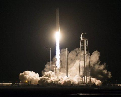 NASA запустило ракету, створену за участі України: вражаюче відео